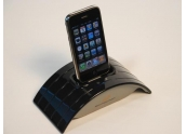Soundcast ICT-121 base emisora que incluye Dock iPod y entrada/salida auxiliar.