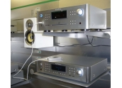 Rotel RCX-1500 Entradas RJ45, WLAN, USB, optica, coaxial. Salidas RCA. Radio DAB